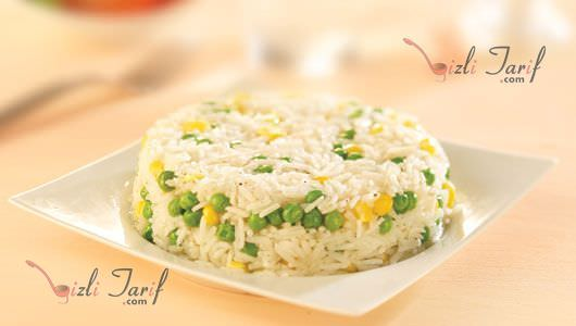 bezelyeli pilav tarifi bezelyeli pirinç pilavı