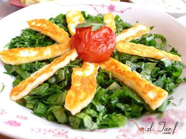 hellim peynirli yeşil salata